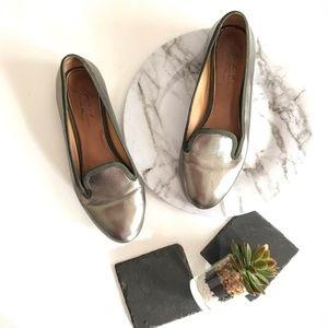Badgley Mischka pewter slate metallic loafer flats
